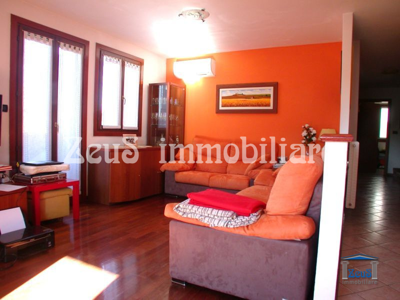 Appartamento su due livelli in piccolo residence ad Aquileia