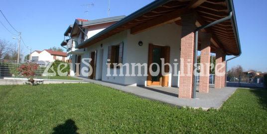 Villa bifamiliare primo ingresso a Monfalcone