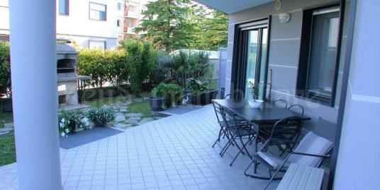 Appartamento bicamere con giardino zona Aris