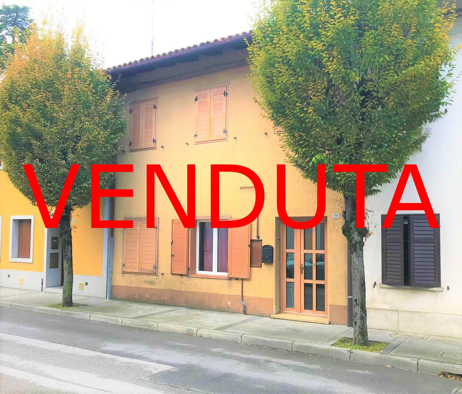 !!! VENDUTA!!! Casa accostata in centro a Ronchi dei Legionari