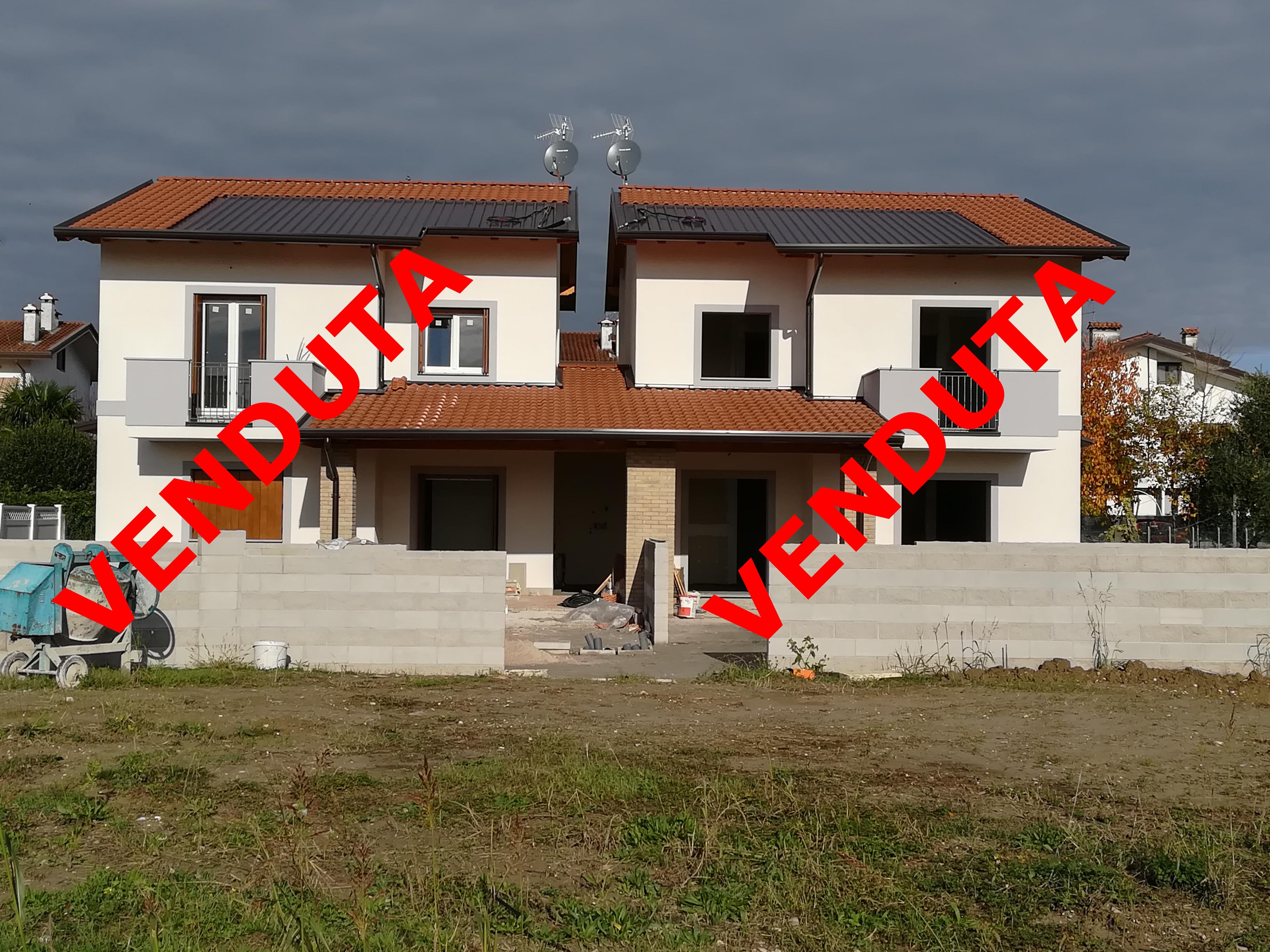 – CANTIERE CONCLUSO –Nuova villa accostata da portico a Staranzano
