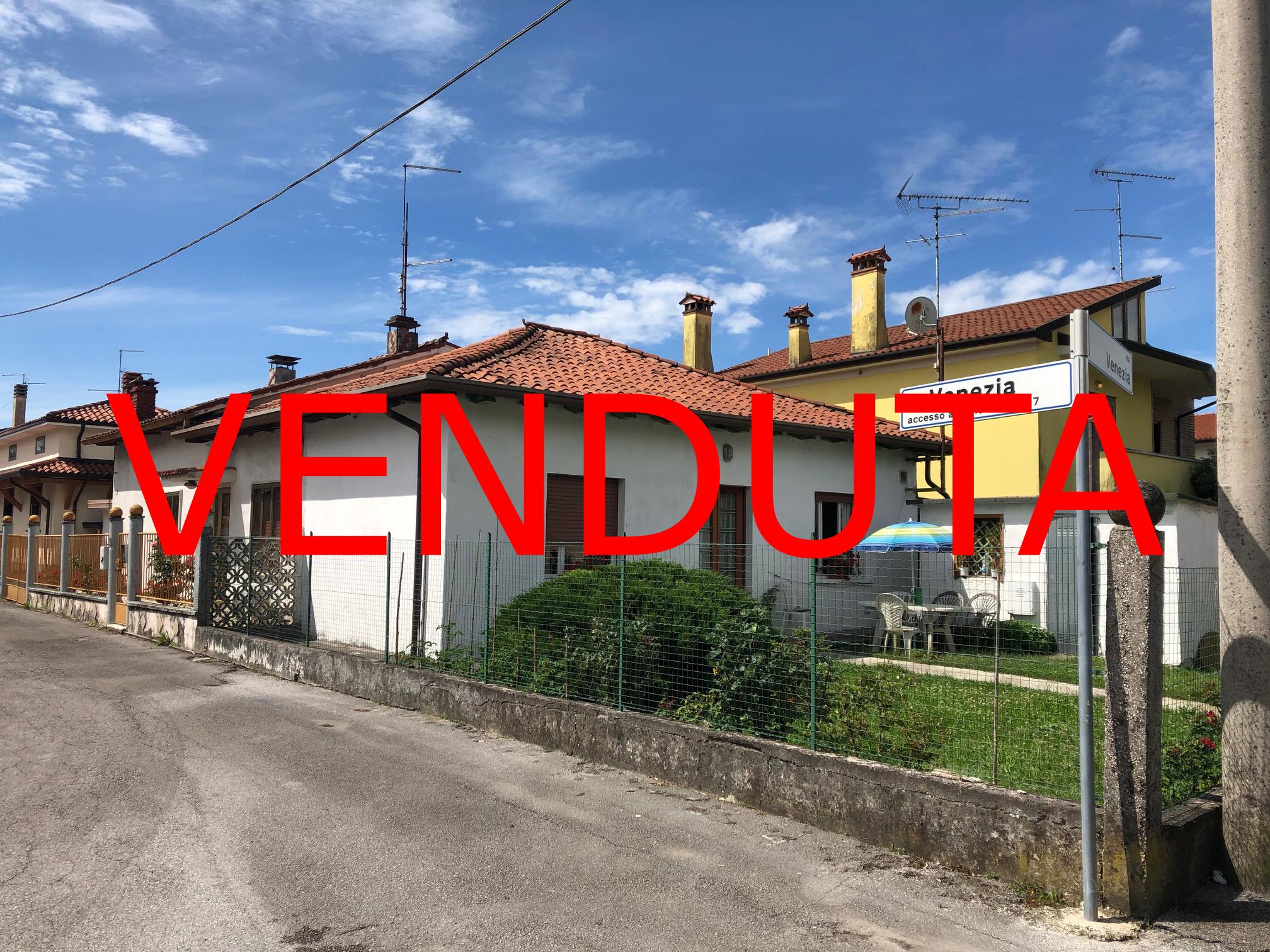!!! VENDUTA!!! Casa singola in centro a Ronchi dei Legionari
