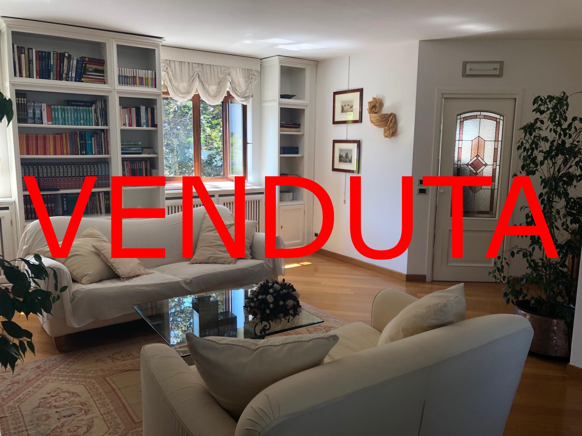 – VENDUTA – Villa signorile accostata in centro a Ronchi dei Legionari