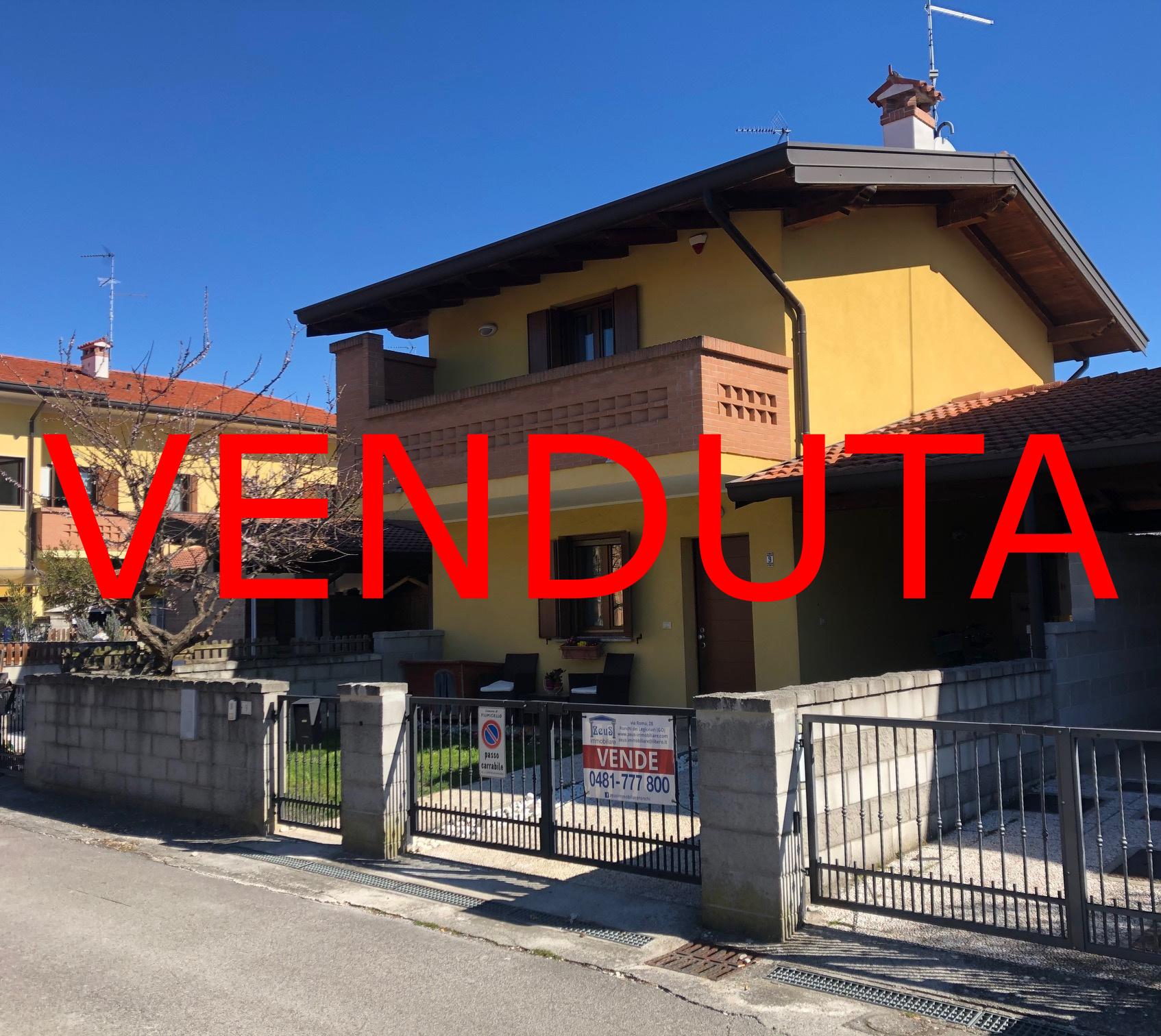 – VENDUTA – Casa accostata da un lato a Fiumicello