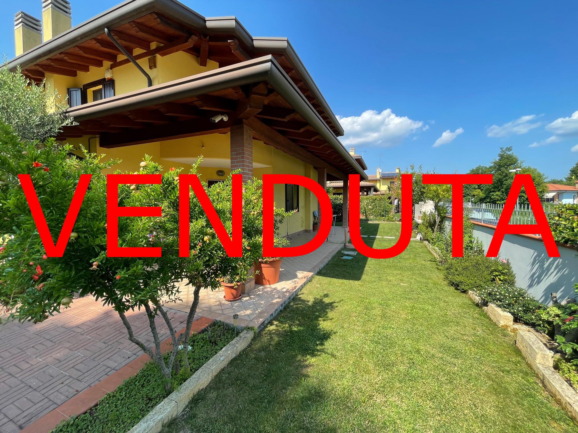 – VENDUTA – Villa accostata da un lato del 2008 a Ronchi dei Legionari